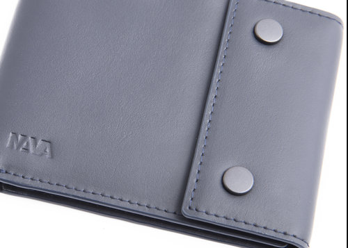 Metric Leather wallet with buttons, 6 cc slots and RFID protection